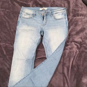 Hollister Light Wash Skinny Jean 5S W27 L29